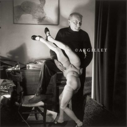 Photo de Hans Bellmer et la poupée 1